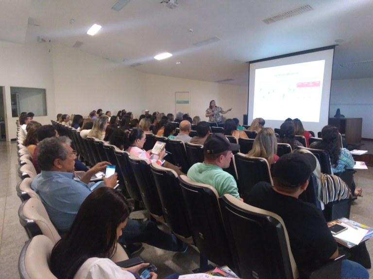 Governo do Estado reúne 41 municípios para discutir fluxo de atendimento e notificação para coronavírus