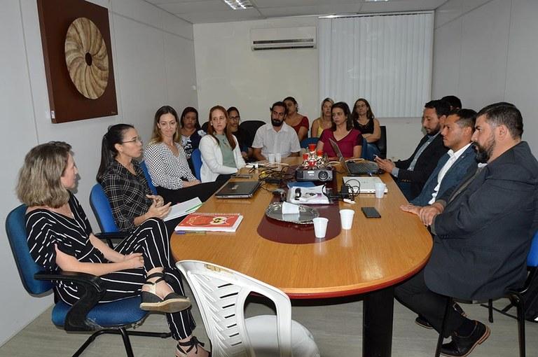 03-10-19 Reunião Com Argentinos na SEDH Foto-Alberto Machado  (5).JPG