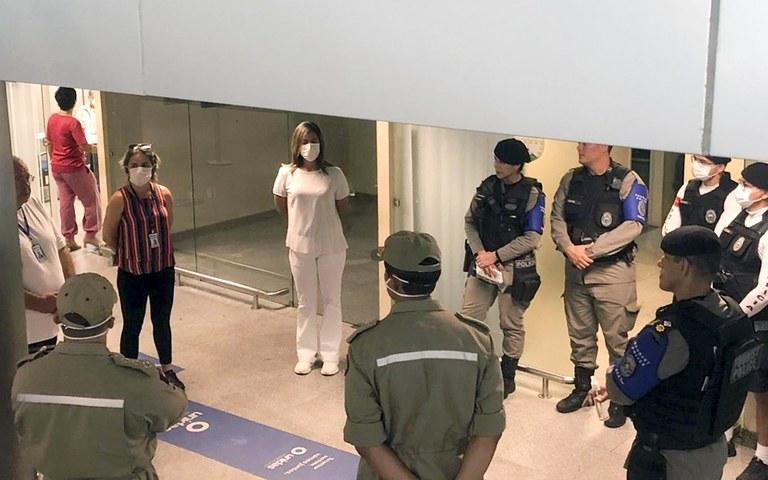 barreira sanitaria do governo no aeroporto  (3).jpg