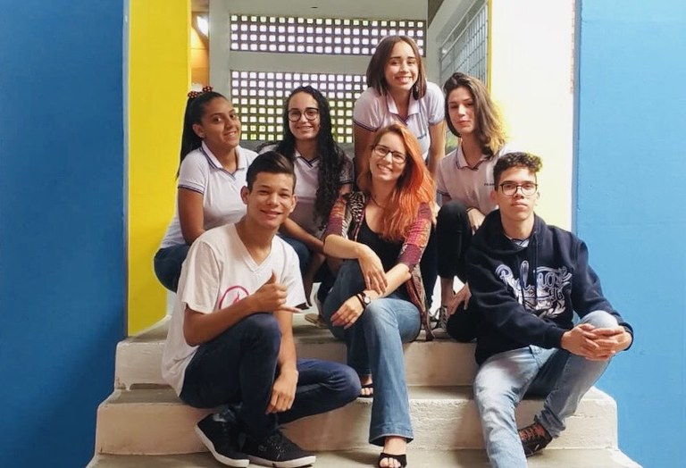 Equipe da Escola Estadual de Ensino Fundamental e Médio Poetisa (2) em CG.jpg