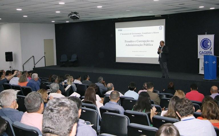 Cagepa compliance Palestra do auditor da CGU Rodrigo Paiva (1).JPG