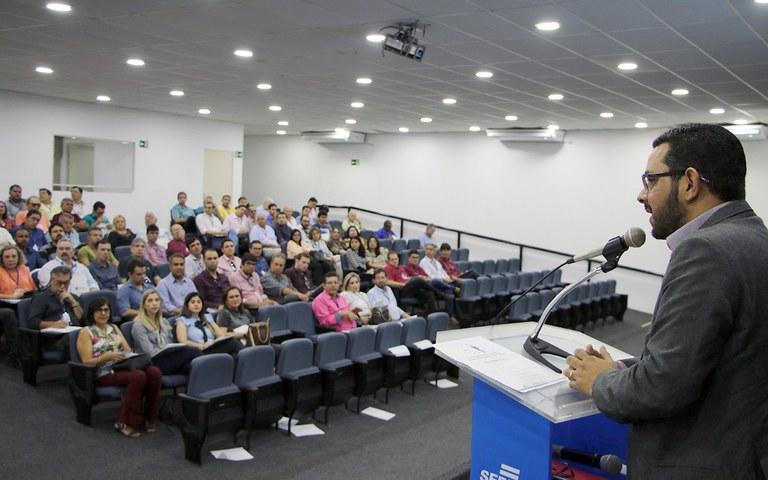 Cagepa discursa para participantes seminario compliance e gestao de risco (1).JPG