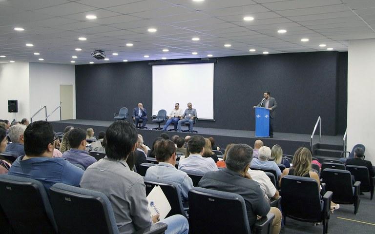 Cagepa discursa para participantes seminario compliance e gestao de risco (2).JPG