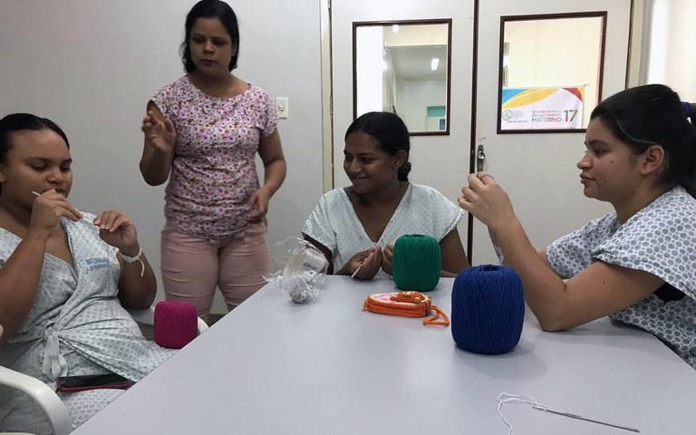 ses croche terapia junto a maes de criancas com cuidados especiais da maternidade de patos (7).jpeg
