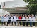 Colaboradores na frente do Hospital do Bem.jpg