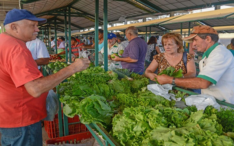 empaer feira da agricultura familiar (3).jpg