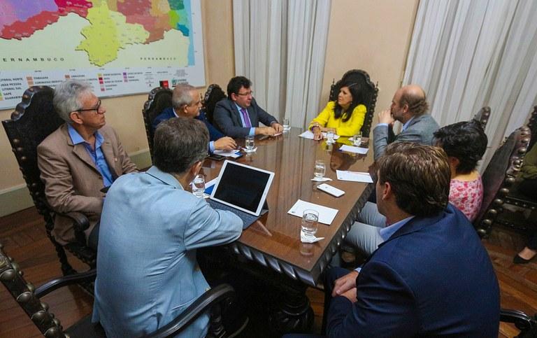 governadora em exercico ligia reune com BIDI_foto junior fernandes (1).jpg