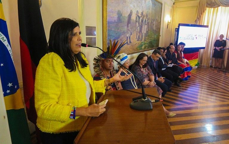 governadora em exercicio lanca plano igualdade racial_foto junior fernandes (12).jpg