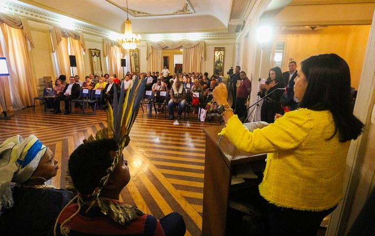 governadora em exercicio lanca plano igualdade racial_foto junior fernandes (13).jpg