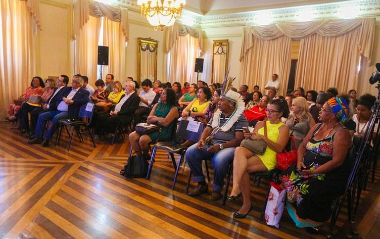 governadora em exercicio lanca plano igualdade racial_foto junior fernandes (3).jpg