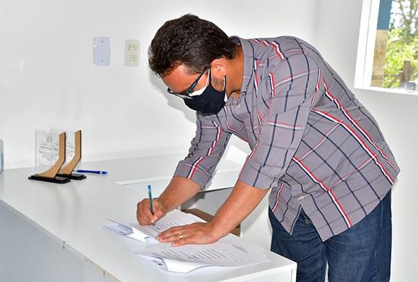 13-07-21 Assinatura do Termo de cooperação entre SEDH e as prefeituras de Arara,caserengue, Banananeiras e Solânea com  o instituto casa Azul Foto-Alberto Machado    (47).JPG