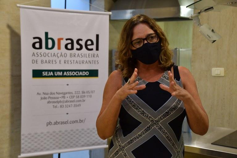 26-03-21 Entrega cestas básicas ABRASEL foto manodecarvalho  (5).JPG