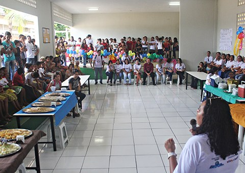 ses-governo-promove-dia-D-da-vacinacao-para-adolescentes-no-conde-FOTO-Ricardo-Puppe-11.jpg
