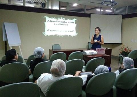 ses-Hospital-de-Trauma-da-Capital-promove-treinamentos-para-copeiros-1.jpeg