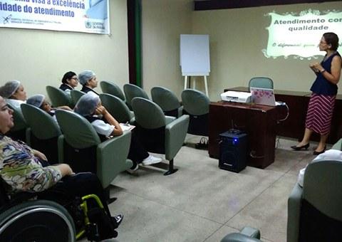 ses-Hospital-de-Trauma-da-Capital-promove-treinamentos-para-copeiros-2.jpeg
