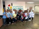 Funcionários do Hopsital do Bem na homenagem a paciente Maria Eliane.JPG