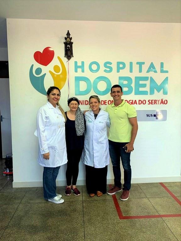 Profissionais do Hospital do Bem que assitiram Maria Eliane.jpg