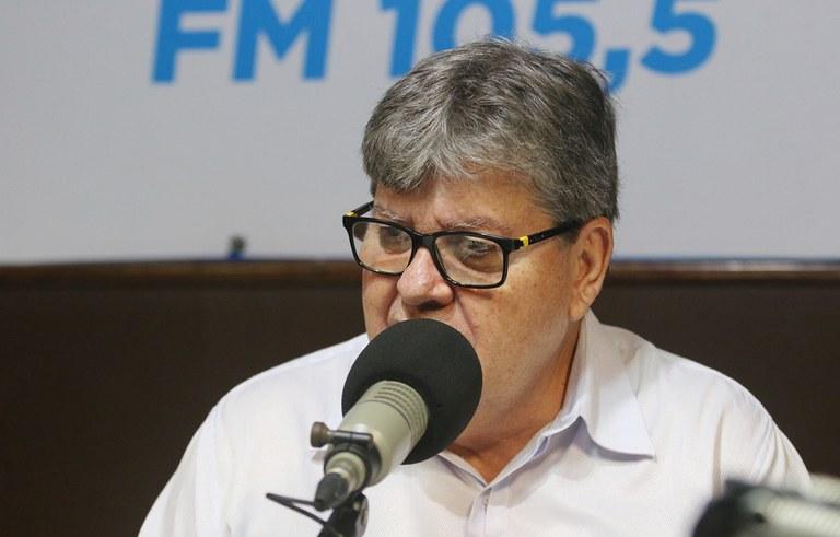 joao azevedo no programa façla governador_foto francisco franca (2).JPG