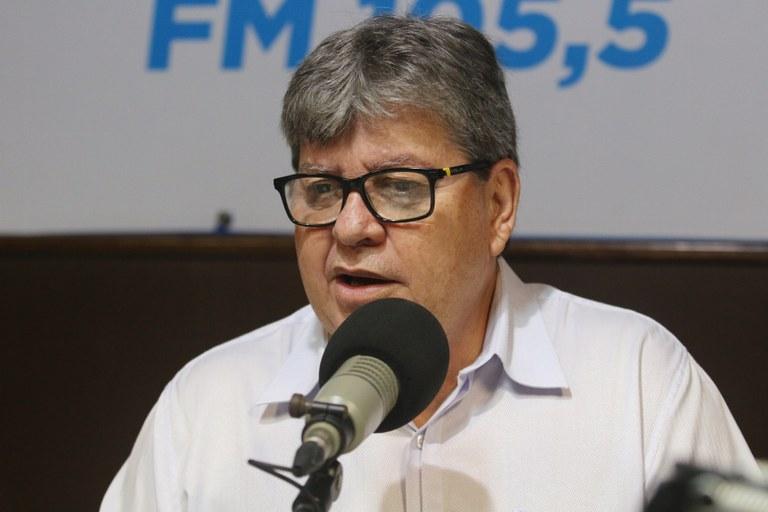 joao azevedo no programa façla governador_foto francisco franca (3).JPG