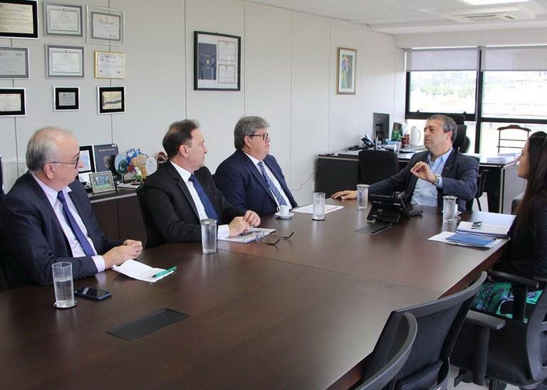 28_01_2020 Governador em reunião na Funasa (3).jpg