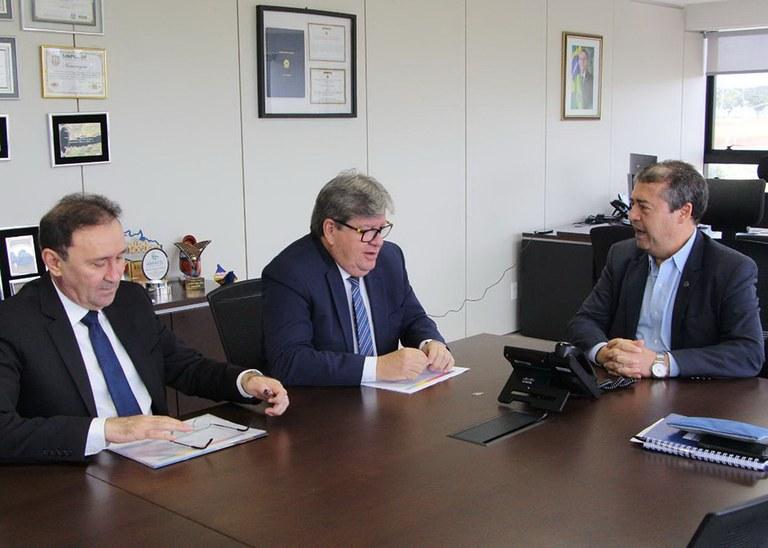 28_01_2020 Governador em reunião na Funasa (4).jpg