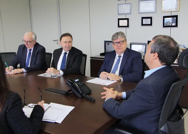 28_01_2020 Governador em reunião na Funasa (9).jpg
