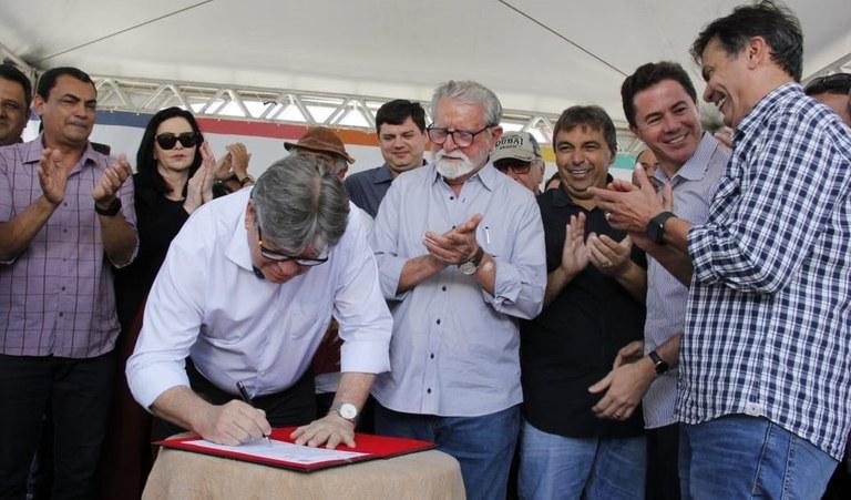 13.09.19 joaoazevedo_assinatura_ordem_servico_estrada_juarezeirinho__fotos francisco franca (20).jpg