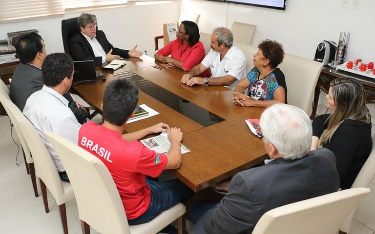 joao recebe Consul de Cuba Milena Caridad foto francisco franca (6).jpg