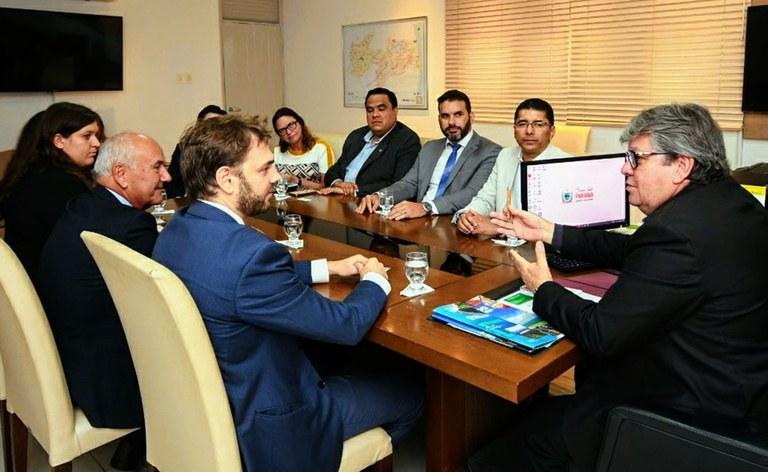 09_03_2020 Governador recebe o consul da Itália_fotos jose marques (4).JPG