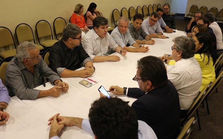 joao reuniao com empresarios em CG foto francisco franca (6).JPG