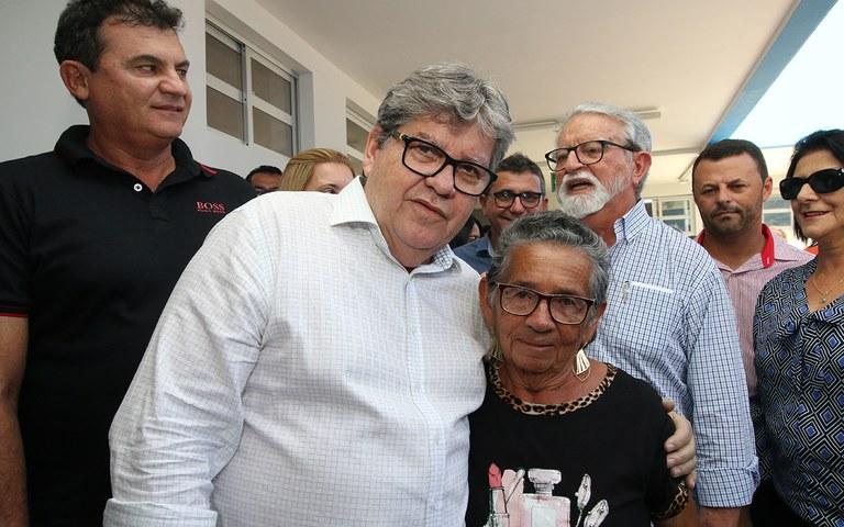 joao azevedo entrega obras em queimadas_foto francisco franca (17).JPG