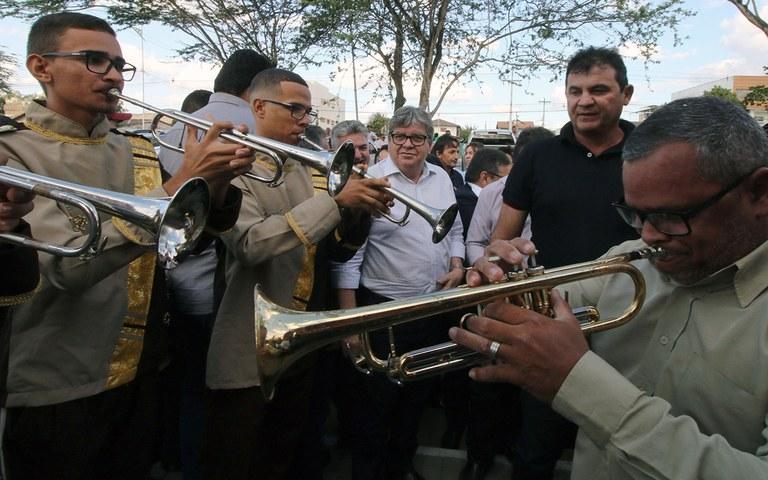 joao azevedo entrega obras em queimadas_foto francisco franca (2).jpg