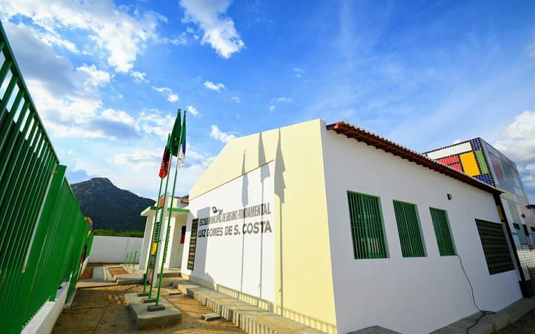 joao entrega escola em sao jose de espinharas foto jose marques (3).JPG