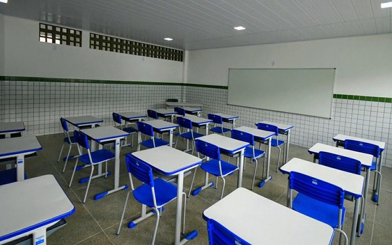joao entrega escola em sao jose de espinharas foto jose marques (7).JPG