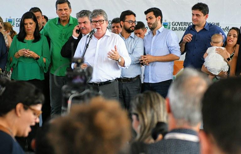 joao inaugura reforma do estadual de  jaguaribe_foto jose marques (10).JPG