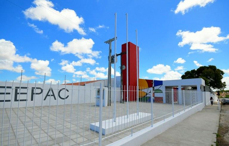 joao inaugura reforma do estadual de  jaguaribe_foto jose marques (13).JPG