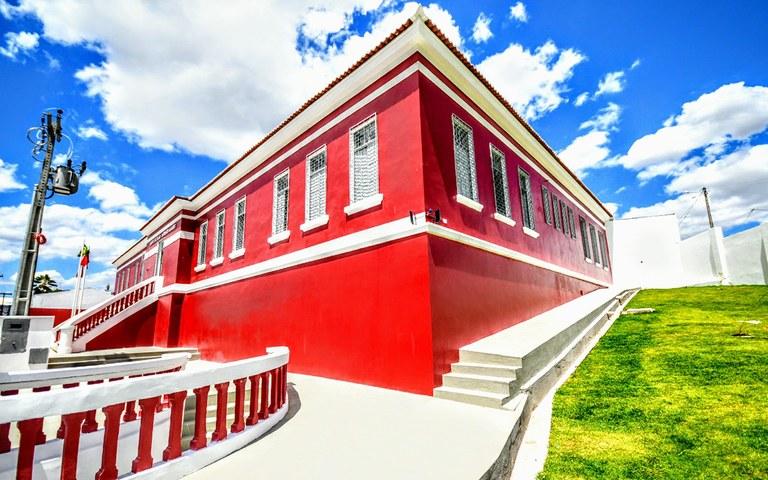 joao entrega escola em guarabira foto jose marques (10).JPG