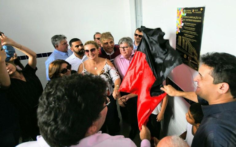 joao entrega escola em guarabira foto jose marques (3).JPG