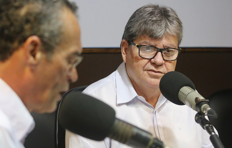 joao azevedo no programa façla governador_foto francisco franca (4).JPG