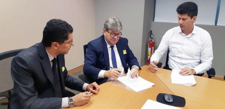 joao brasilia assinatura de cooperacao tecnica com bndes 11.jpg