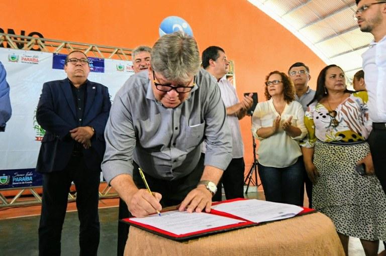 lançamento-esporte-foto José Marques3.JPG