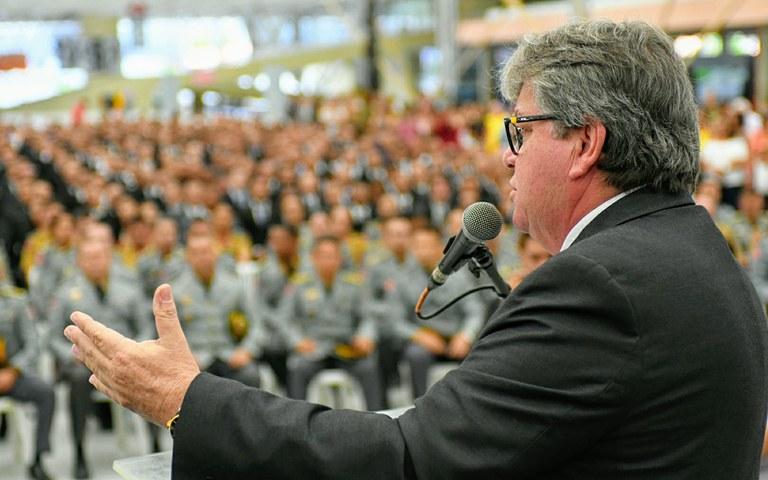 joao Policia militar e bombeiros boas vindas_ foto jose marques (5).JPG
