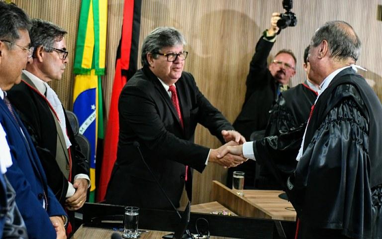 joao participa da posse do desembargador do tre foto jose marques (4).JPG