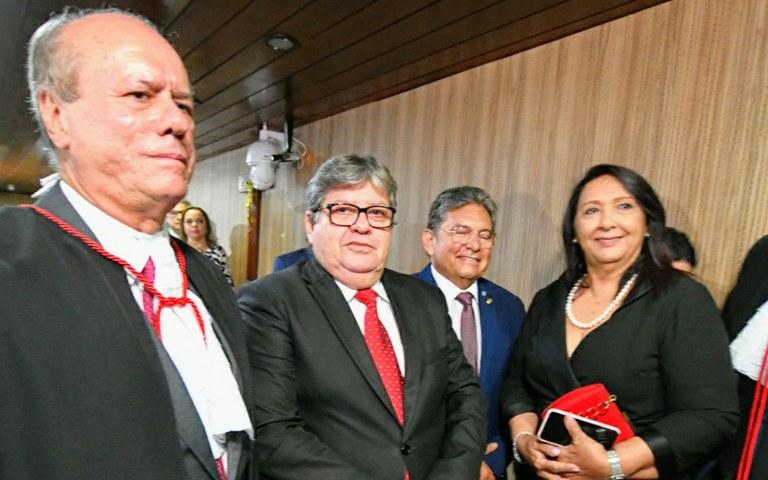 joao participa da posse do desembargador do tre foto jose marques (6).JPG