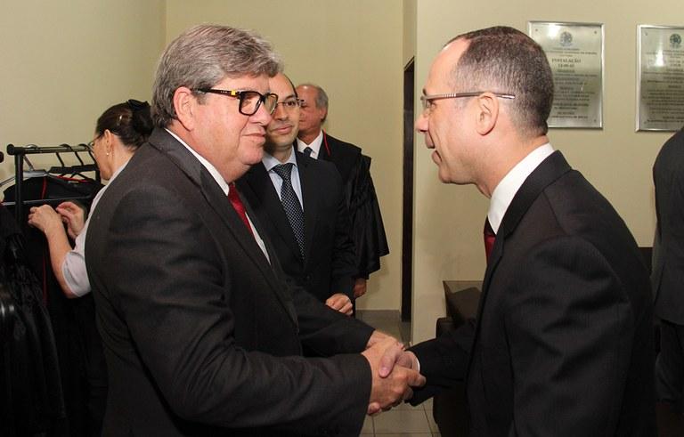 joao azevedo e juiz federal rogerio goncalves noTRE PB_foto francisco franca (1).JPG