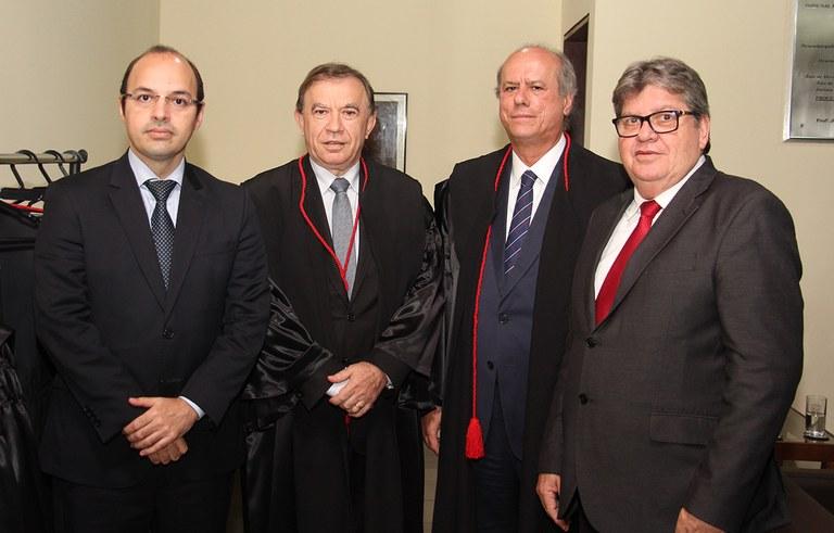 joao azevedo e juiz federal rogerio goncalves noTRE PB_foto francisco franca (12).JPG