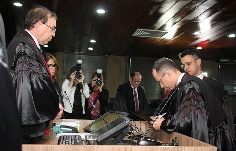 joao azevedo e juiz federal rogerio goncalves noTRE PB_foto francisco franca (15).jpg