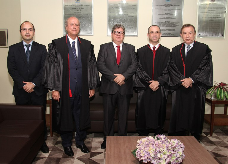 joao azevedo e juiz federal rogerio goncalves noTRE PB_foto francisco franca (4).JPG