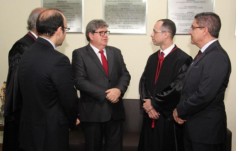 joao azevedo e juiz federal rogerio goncalves noTRE PB_foto francisco franca (7).JPG