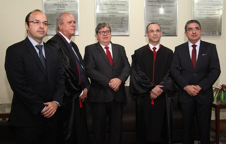 joao azevedo e juiz federal rogerio goncalves noTRE PB_foto francisco franca (8).JPG